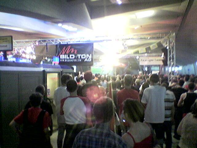 Handy Luzern Bahnhof WM Spiel